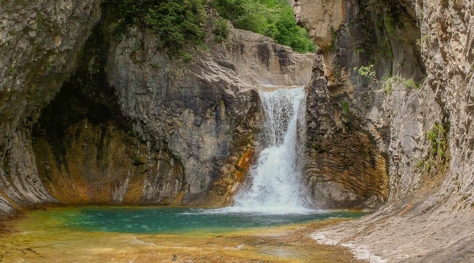 L'un des plus beaux parcours de canyoning des Pyrénées, Lugar Escuain