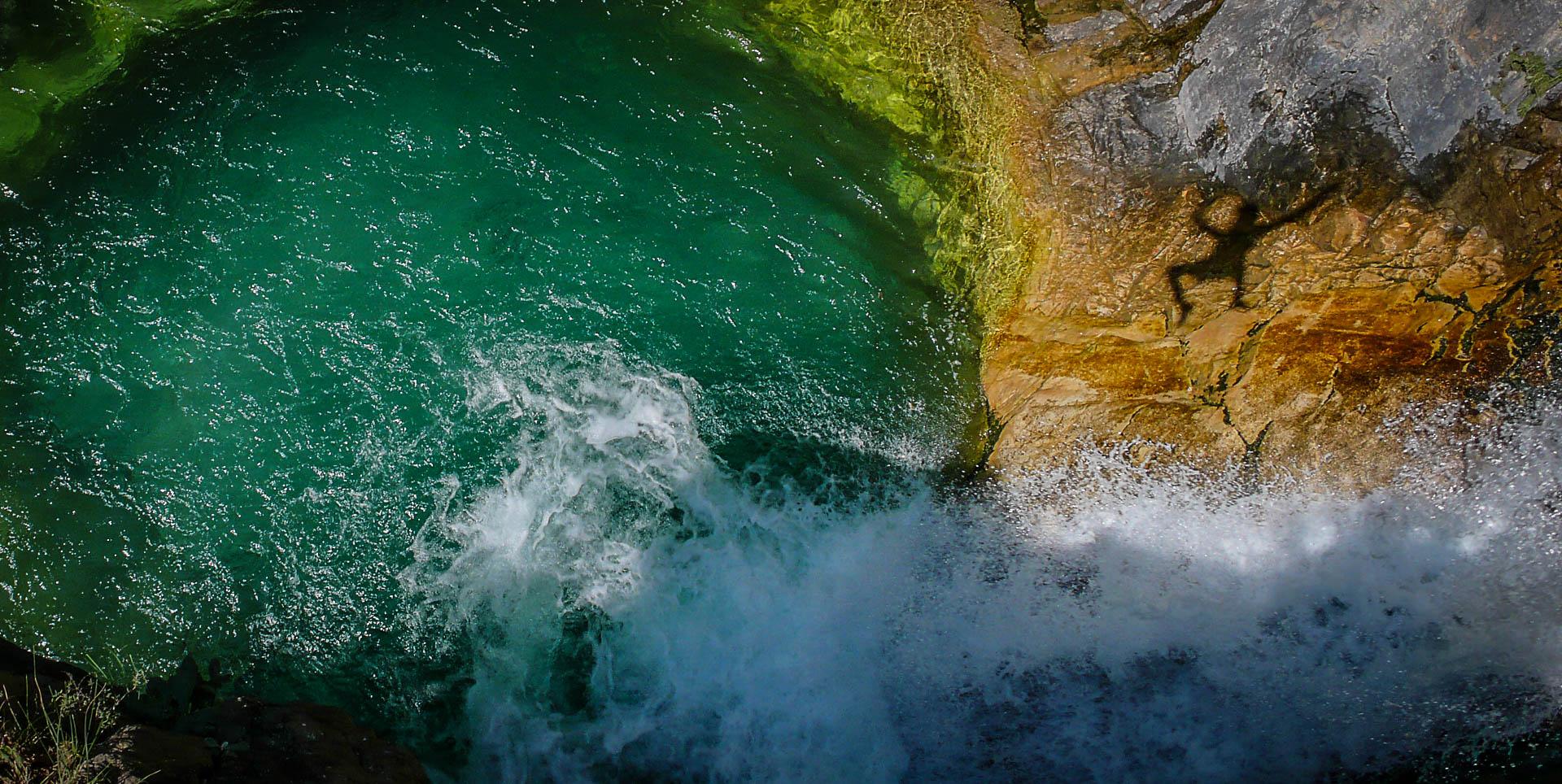 Une magnifique vasque dans le canyon de Lugar Escuain